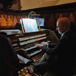 Il coro e il maestro Gabellieri